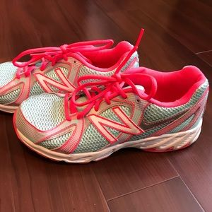 New Balance 550 Training Running Shoes Pink Size 6